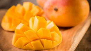 Are Mangoes the Key to Lowering Blood Pressure and a Healthy Gut?