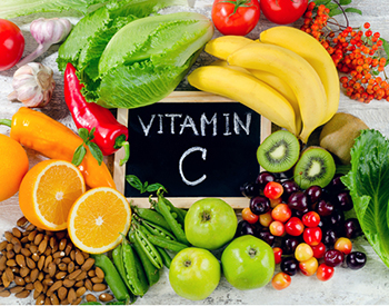 Foods rich in vitamin C can provide some protection against lung damage from smoking and other risks