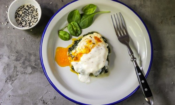 curried eggs florentine mornay
